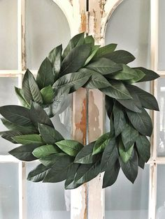DIY fixer upper magnolia leaf wreath