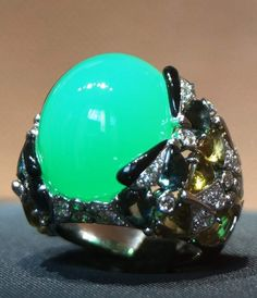Ring with #chrysoprase by Cartier