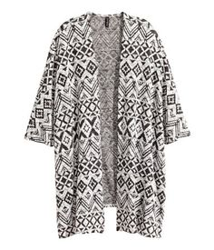 Wide, jacquard-knit cardigan with sleeves and no buttons. White Vest Top, White Cardigan, Kimono Cardigan, Cardigan Fashion, White Kimono, Kimono Top, Lazy Outfits, Hot Outfits, Cardigan En Maille