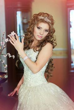 Hairstyles For Quinceanera hairstyles with tiara on wedding Sweet 16 Hairstyles, Quince Hairstyles, Casual Hairstyles, Wedding Hairstyles For Long Hair, Bride Hairstyles, Pretty Hairstyles, Braid Half Up Half Down, Quinceanera Hairstyles, Hair Dos