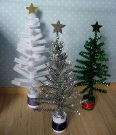 Dollhouse Christmas tree inspiration - pipe cleaners!!!