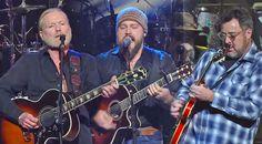 Midnight Rider - Zac Brown, Gregg Allman & Vince Gill killing it on guitar!