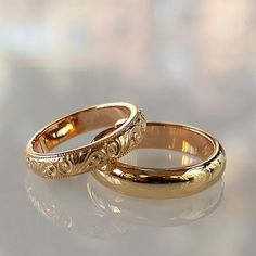 42 ideas for wedding couple rings gold beautiful Cheap Wedding Rings, Gold Wedding Rings, Wedding Jewelry, Wedding Band, Bridal Jewellery, Delicate Rings, Unique Rings, His And Hers Rings, Gold Pinky Ring