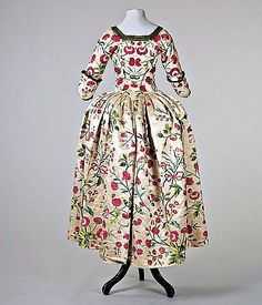 Robe a l'anglaise ca. 1770    From Artfund
