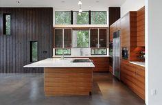 Flowing Lake Residence | Architecture: David Vandervort Architects | Photography: Mark Woods