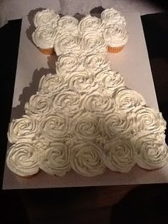 .Life and other Projects.: Bridal Shower Pull Apart Cupcake Cake Tutorial