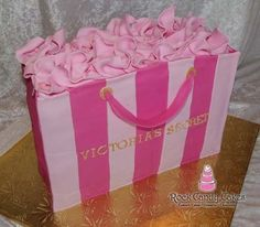 Victoria's Secret Bag. I'd love to have this cake!