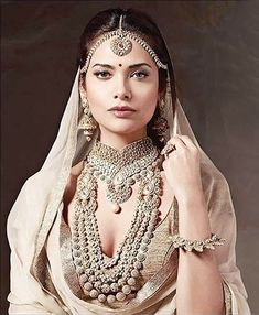 Esha Gupta In Rimple and Harpreet Narula