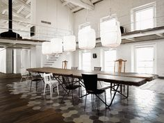 /\ /\ . Paola Navone