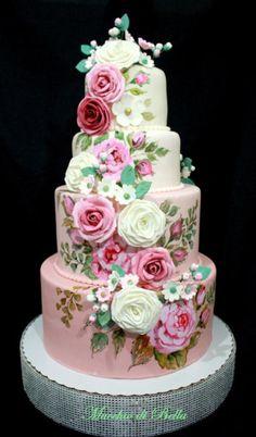 Rose Garden by Mucchio di Bella …See the cake: http://cakesdecor.com/cakes/212393-rose-garden