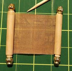Itty Bitty Adventures: Miniature Monday: Making Miniature Scrolls, a Tutorial and Download