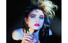 The 80 Greatest '80s Fashion Trends - Big Earrings