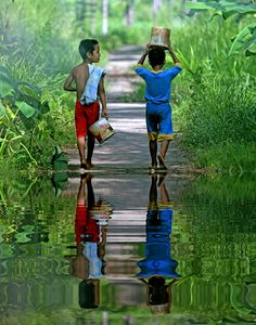 Boys of Bali walking in a trail Beautiful Children, Beautiful People, Beautiful Pictures, Beautiful Boys, We Are The World, People Around The World, Kids Photography Boys, Mirror Image, Belle Photo