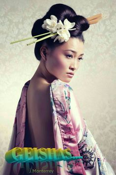 d43208a6f4 Gueixas, Penteados Japoneses, Estilo Chinês, Cabelo Japonês, Penteados  Super Fáceis, Tatuagem