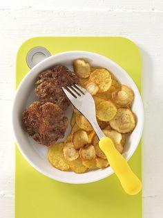 Frikadellen mit Bratkartoffel-Pastinaken | Inulin in Pastinaken und die resistente (= unverdauliche) Stärke in den Bratkartoffeln zählen zu den Ballaststoffen. Sie fördern die gesunde Verdauung Ihres Kindes.