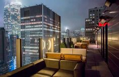 Head over to the heart of the Garment District to experience moody stylishness on the 30th floor at The Skylark. The 141-seat rooftop terrace showcases expansive, panoramic views of Times Square, the Chrysler Building, the Empire State Building, and downtown Manhattan.