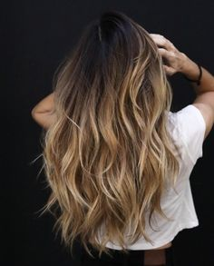wax for hair styling hair styles in bayalage how to hair tutorials Bronde Hair, Bayalage, Balayage Hair, Brown Blonde Hair, Light Brown Hair, Trending Hairstyles, Easy Hairstyles, Damp Hair Styles, Curly Hair Styles