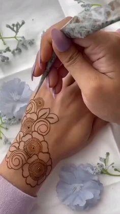 Mehndi Designs Front Hand, Floral Henna Designs, Henna Tattoo Designs Simple, Latest Bridal Mehndi Designs, Full Hand Mehndi Designs, Mehndi Designs Book, Mehndi Designs For Girls, Mehndi Designs For Beginners, Mehndi Designs For Fingers
