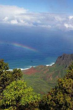 Hawaii...nothin but sunshine and rainbows :)