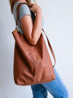 OVERSIZE Brown SHOPPER Bag Large Leather Shopper Light   Etsy Soft Leather Handbags, Leather Purses, Leather Bag, Shopper Bag, Tote Bag, Reusable Bags, Large Bags, Natural Leather, Leather Fashion