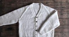 Begynderstrik - Farfars cardigan - FiftyFabulous Baby Cardigan, Mini Me, Knit Crochet, Free Pattern, Knitting, Sweaters, Cardigans, Patterns, Diy