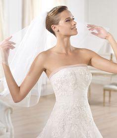 OCOTAL - Abito da sposa in tulle azzurro pastello e avorio. Pronovias 2015 | Pronovias