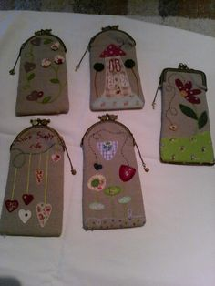 Fundas de gafas Make And Sell, How To Make, Tablet, Glasses Case, Tote Purse, Felt Crafts, Floral Embroidery, Patches, Quilting
