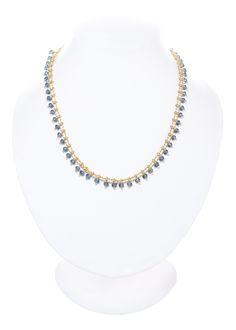 0bb0bd3f86de Collar tira de piedras en tono morado. Medida  50 cm. Baño de oro