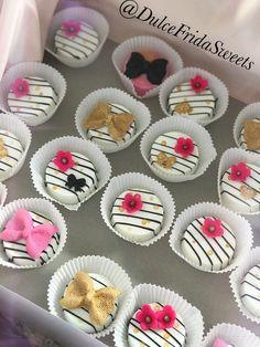 Chocolate covered Oreo cookies