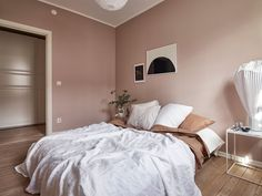 Up in Arms About Dusty Pink Bedroom Walls? Your bedroom won't only be better off, but a lot of facets of your life is going to be, too. Again in a home, it is not necessarily yours only. Dusty Pink Bedroom, Pink Bedroom Walls, Pink Walls, Bedroom Colors, Home Bedroom, Bedroom Decor, Shabby Bedroom, Pretty Bedroom, Light Pink Bedrooms
