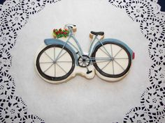 beautiful bicycle cookie