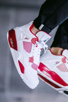 AIR JORDAN 4 Retro Alternate are the shoes that I might get when I go shopping in a a week or two Jordan Shoes Girls, Air Jordan Shoes, Girls Shoes, Shoes Women, Ladies Shoes, Jordan Outfits, Jordans Retro, Air Jordans, Shoes Jordans