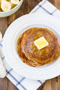 Overnight Gluten-Free Oatmeal Cinnamon Pancakes! A quick, healthy breakfast for busy weekdays. {Dairy-Free}   Meaningful Eats