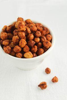 Crunchy Roasted Chickpeas | Bites of Bri