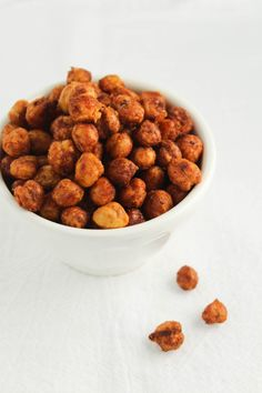 Crunchy Roasted Chickpeas | Bites of Bri