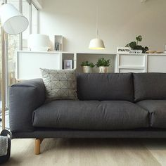 Nu in onze showroom te zien. De 3-zits Rest sofa van Muuto in Remix 163…