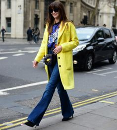 12 cool ideas on how to wear denim from LFW street style stars Stylish Street Style, London Street, Fashion Updates, Star Fashion, Singapore, What To Wear, Duster Coat, Cool Stuff, Stars