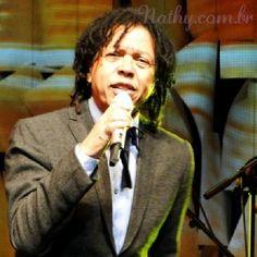Como foi o show do @djavanoficial ontem em Porto Alegre? Veja agora no http://nathy.com.br #djavaneando #djavan #ruadosamores