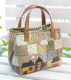 Handmade bags using patchwork techniqueLarge, colorful bags for the voices to carry propsimages attach c 0 121 607 Quilted Tote Bags, Patchwork Bags, Reusable Tote Bags, Crazy Patchwork, Bag Patterns To Sew, Patchwork Patterns, Fabric Bags, Linen Fabric, Denim Bag