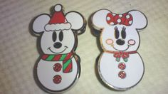 DISNEY Pin 73429: Mickey Mouse and Minnie Mouse as Snowmen available in 2009 #OfficialDisneyProduct