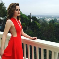 Joey King, King Jacob, Selena, Kissing Booth, Female Actresses, Formal Looks, Hot Brunette, Famous Women, Beautiful Gowns