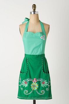 This apron is super cute!