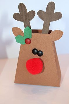 Adorable way to give a bit of candy during the holidays.