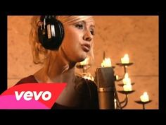 Christina Aguilera - The Christmas Song (Chestnuts Roasting Over An Open Fire) - YouTube