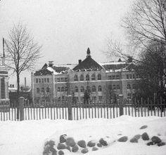 Aleksanterin kansakoulu 1900-luvun alkuvuosilta