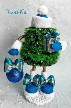 1 million+ Stunning Free Images to Use Anywhere Peacock Christmas, Unique Christmas Trees, Homemade Christmas Decorations, Easy Christmas Crafts, Christmas Gnome, Christmas Centerpieces, Glass Christmas Ornaments, Xmas Decorations, Winter Christmas