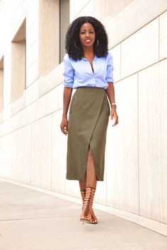 Oxford Boyfriend Shirt + Faux Wrap Midi Skirt | Curvy Outfit Ideas | Petite Outfit Ideas | Plus Size Fashion | Fall Fashion | OOTD | Professional Casual Chic Fashion and Style Inspiration