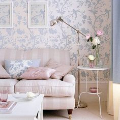 40 Shabby Chic Living Room Interior Designs for a Romantic Atmosphere - Decoration 4 Pastel Living Room, Shabby Chic Living Room, Living Room Decor, Living Rooms, Pastel Room, Pink Wallpaper Living Room, Living Room Styles, Living Room Designs, Urban Deco
