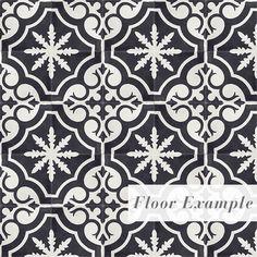 Fliser i sement med sort/hvitt bladmønster. 20x20 cm.  Kan brukes en og en som dekorasjon, gryteunderlag osv.