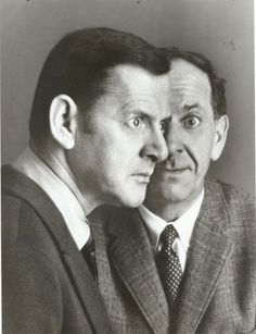 Jack Klugman & Tony Randall-The Odd Couple use to love this tv show. No one can do better! Odd Couples, Famous Couples, Old Hollywood Stars, Classic Hollywood, Tony Randall, Famous Duos, People Of Interest, Music Photo, Before Us